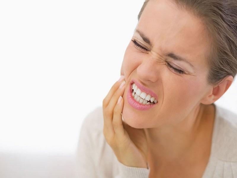 نشانههای پوسیدگی دندان